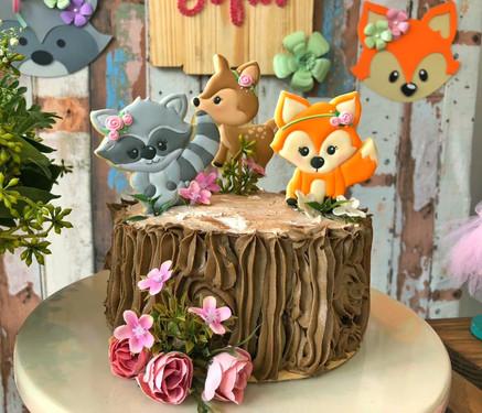 decoração festa bosque (1).jpeg
