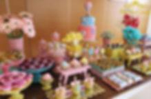 mesa-cha-de-bebe-balões-rosa.jpg