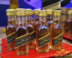 garrafinhas-whisky-com-chá.jpg