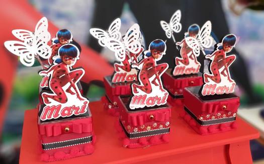 decoração festa ladybug (23).jpg
