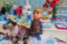 decoração festa frozen (14).jpeg
