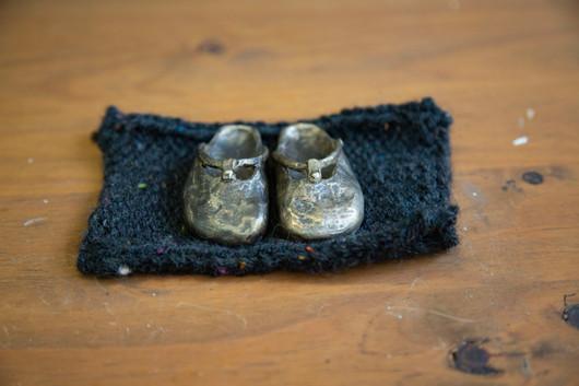Anna Calleja, My mother's shoes, bronze,