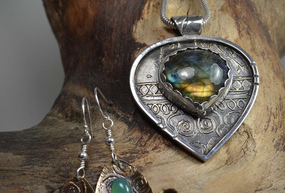 Necklace Earring set ~ Deep Well