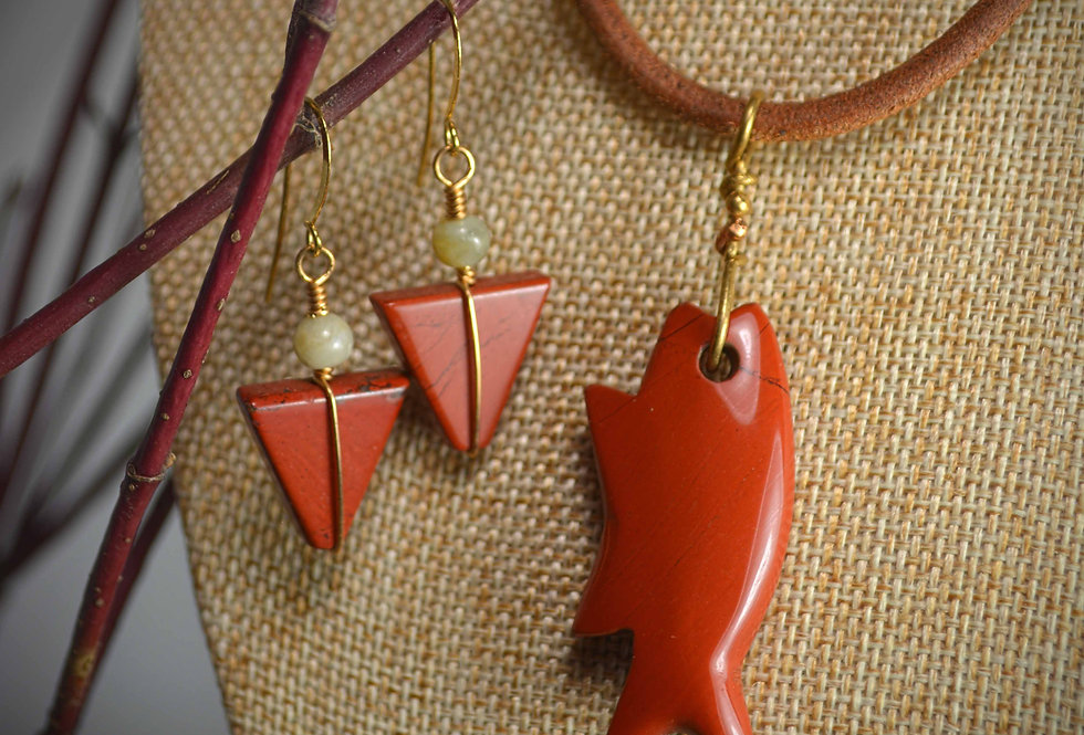 Fish the Yellowstone necklace earring set