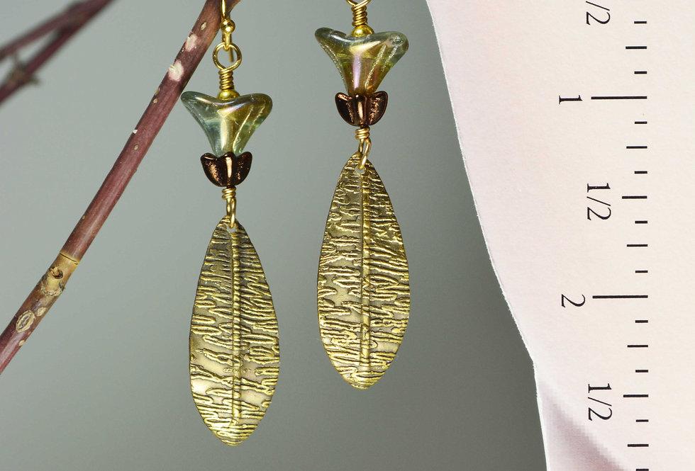 hook earrings .. Trumpet Flowers
