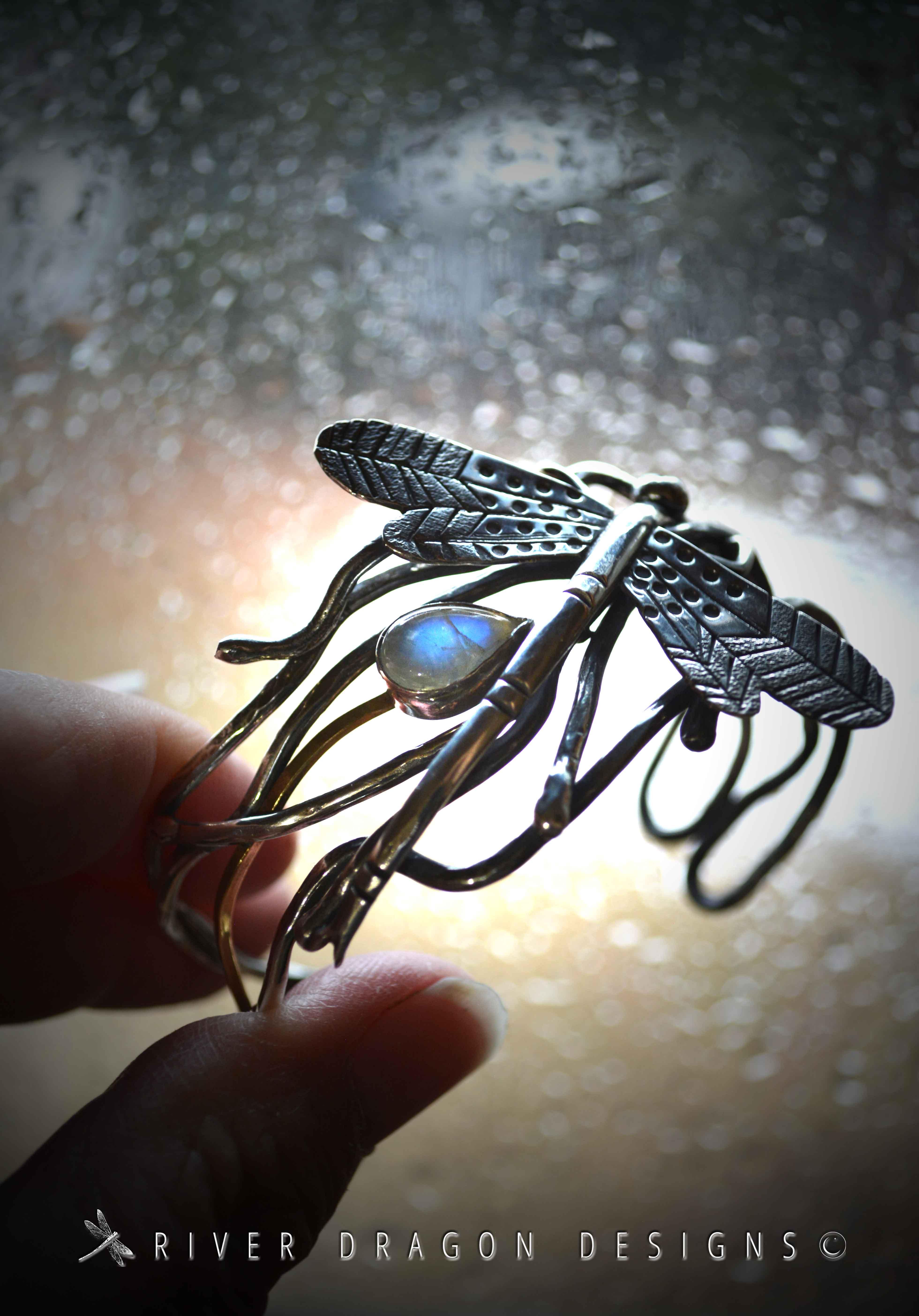 Bracelet_DragonflysKeepWindow