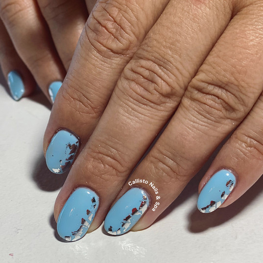 shellac manicure with silver foil