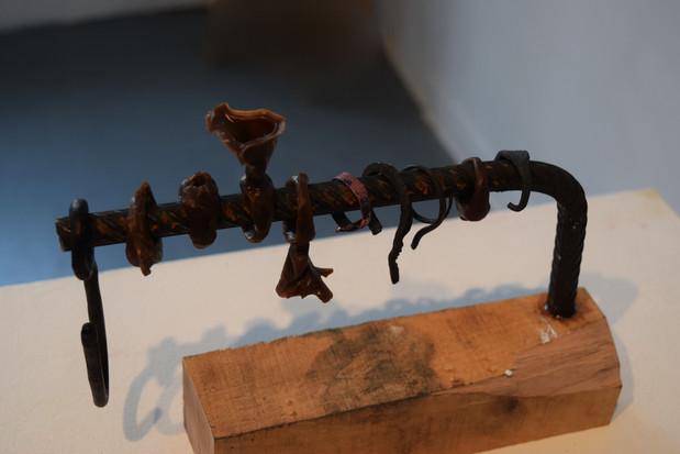 Breaking Loops (sculpture)