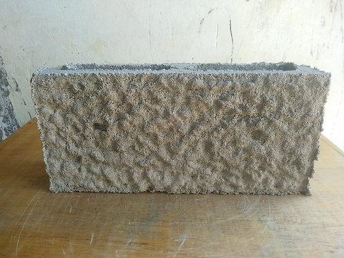 Bloque abusardado y hueco de cemento de 10cm x20cm x40cm
