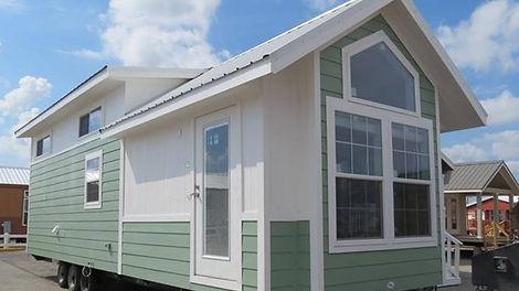 Park-model-RV-506-loft-exterior.jpg