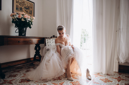 Bride's morning in a private palace in Palermo