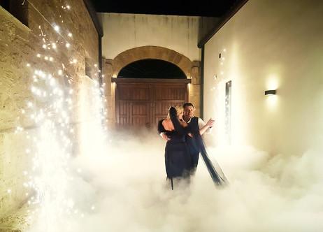 Wedding dance in heavy smoke