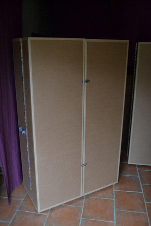 Armoire-en-carton-recycle.JPG