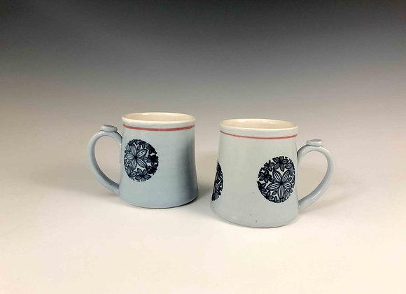Mug, blue grey with flower rounds