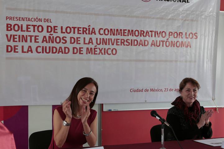 Con billete de lotería enaltecen labor de la UACM, a dos décadas de su fundación