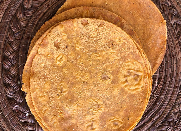 Tortilla de Maíz con Chile GuajilloDocena