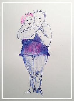Paar umarmt sich Dame vorne
