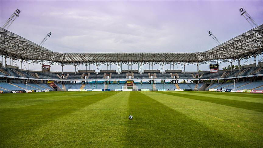 Avrupa'nın tüm büyük liglerinde maçlarının yeni tip Corona virüs salgını nedeniyle seyircisiz oynanacağı açıklandı.