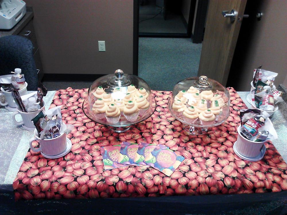 Cupcakes decorated like pumpkins!