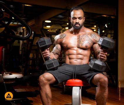 Model : Ashraf