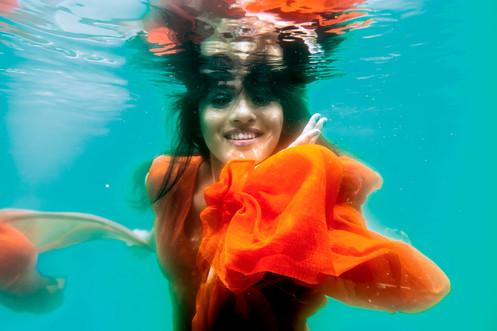 Lux Channel-i Superstar 2014 Underwater photo shoot