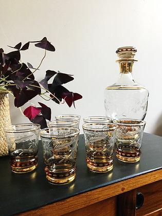 Service à liqueur en verre ciselé