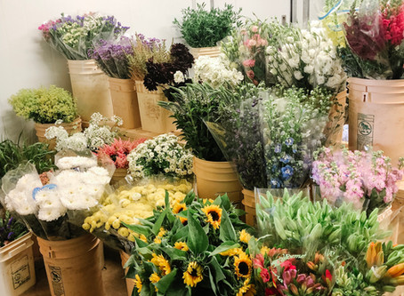 Shopping for Flowers The Week of Your Wedding