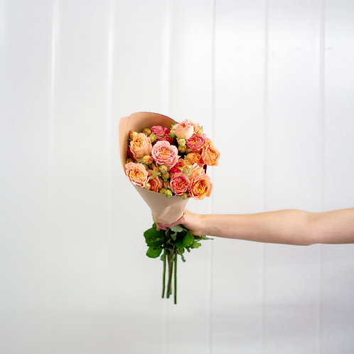 Spray Roses - Apricot Lane