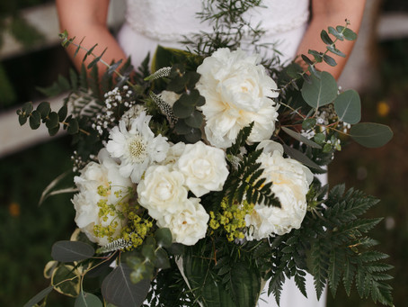 How to Hold Your Bridal Bouquet