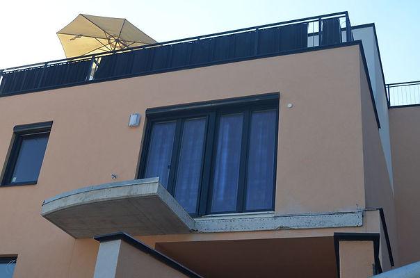 Purkersdorf im Immobilienfieber - Baustopp - Liste Baum Balkon lebensgefährlich