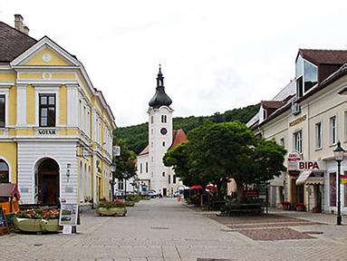 Hauptplatz Purkersdorf LIste Baum & Grüne
