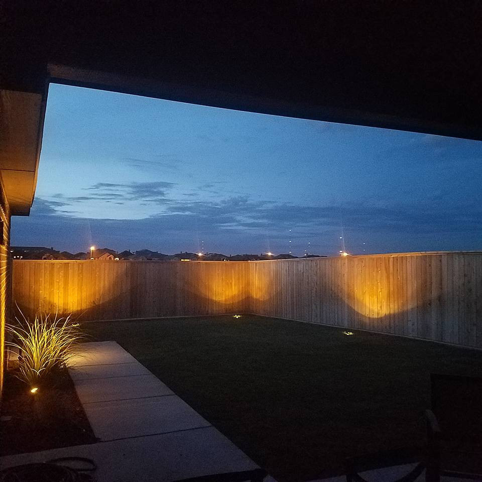WT Outdoor Living, LLC fence lighting pic