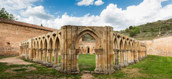 2560px-Monasterio_de_San_Juan_de_Duero,_