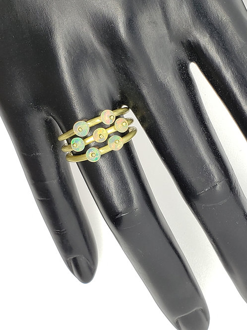 Triple row 18K ring with Opal beads
