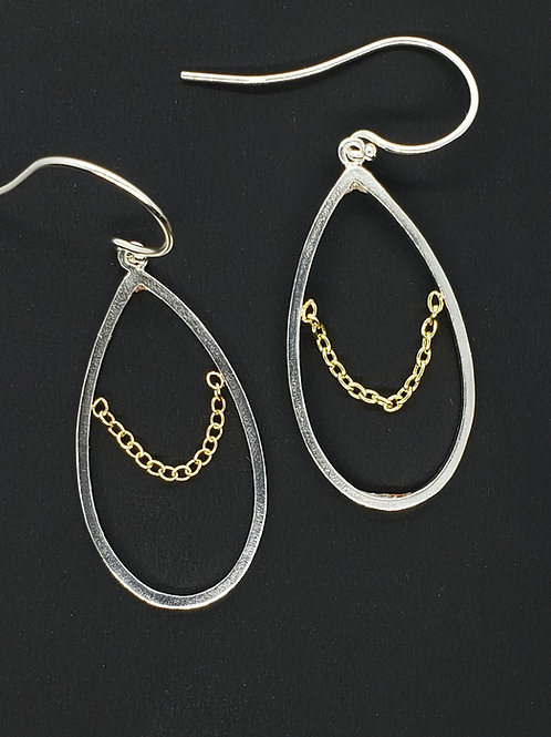 Pear shape dangle with chain drape