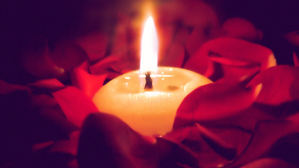 Romantic Valentines candle image