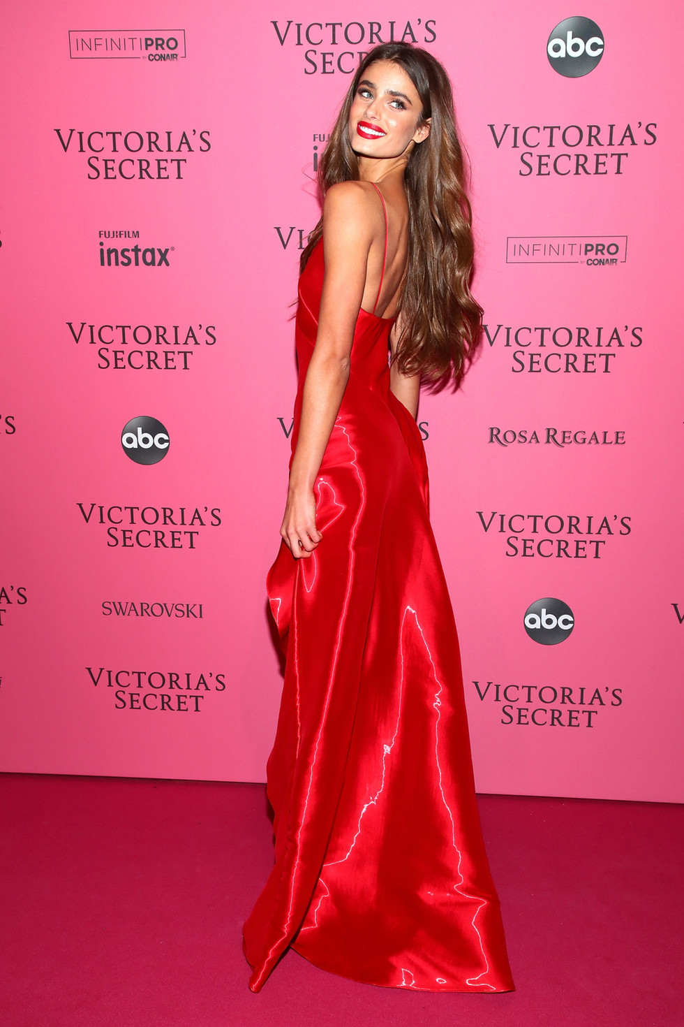 GET THE LOOK FOR LESS: VS After Party '18 | Taylor Hill