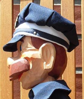 Holzkopf Polizist