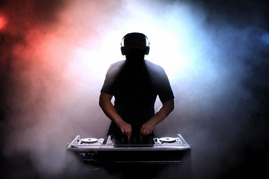 DJ HOUSS