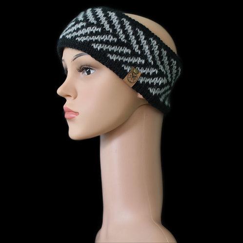 Modell Zoey Stirnband handgestrickt schwarz /silber