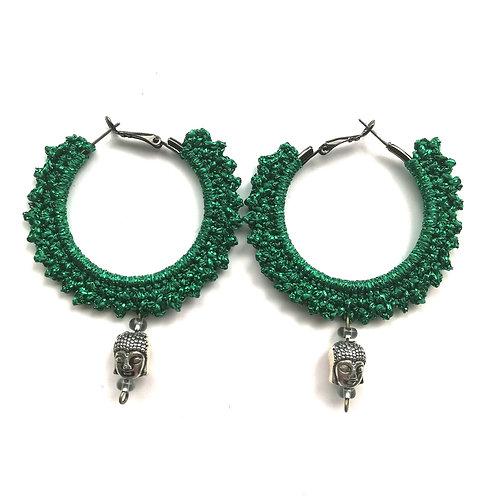 Creolen 4 cm schwarz umhäkelt mit Metallicgarn in grün
