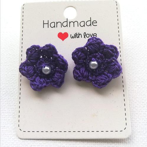Ohrstecker violett mit Perle