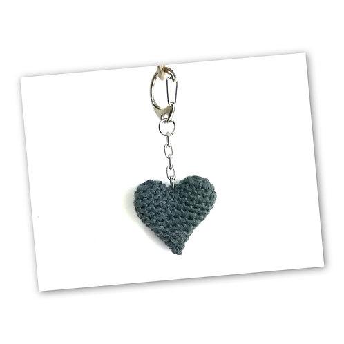 Schlüsselanhänger Herz titangrau