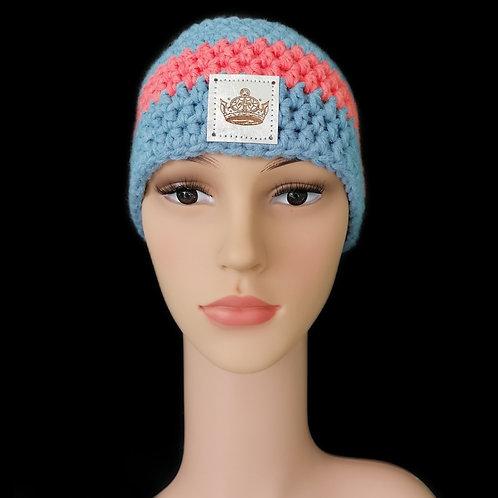 Modell Daisy Stirnband gehäkelt eisblau/koralle