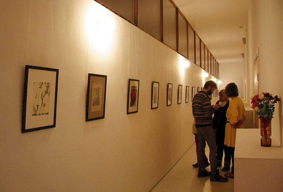 Visitors to the exhibition at the Alvar Aalto Library.