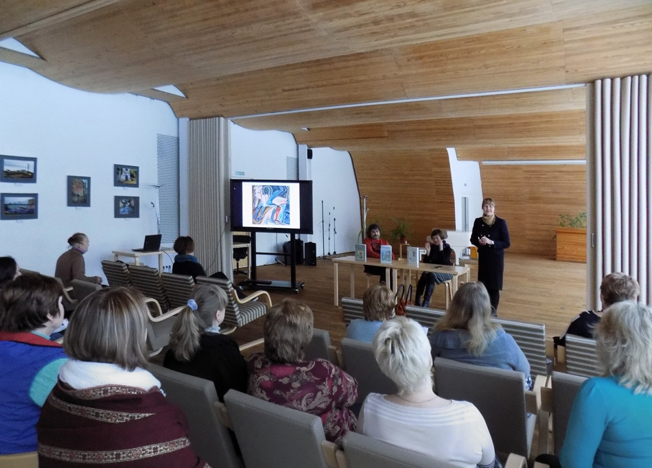 Photo of the presentation in the Alvar Aalto City Library.