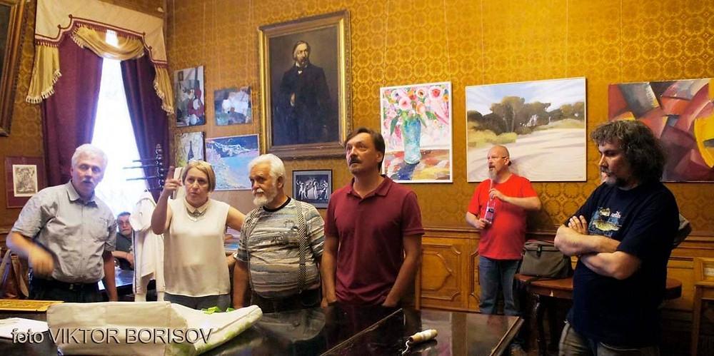 Preparing the art exhibition. Saint Petersburg, 2018/