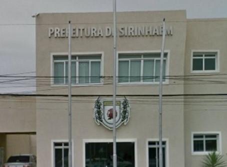 Sirinhaém: prefeito reduz salário de contratados; professores falam em 'revolta'