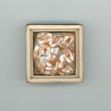 IMG01-138 Bunny Miniature Sculpture crop