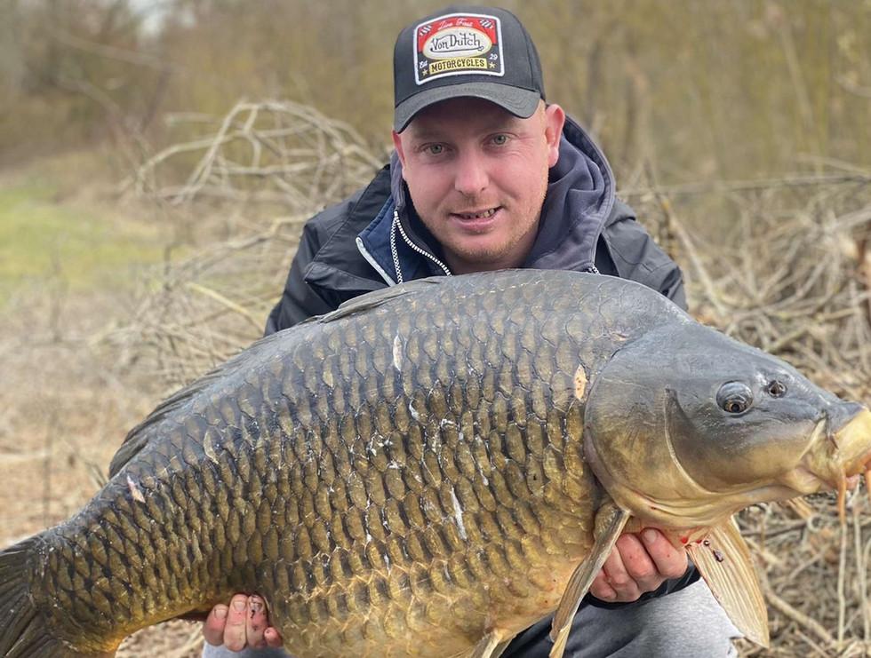 Carpe Commune de 26 kg étang EDF 3